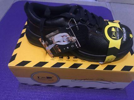 🚚 Safety Shoes us 5