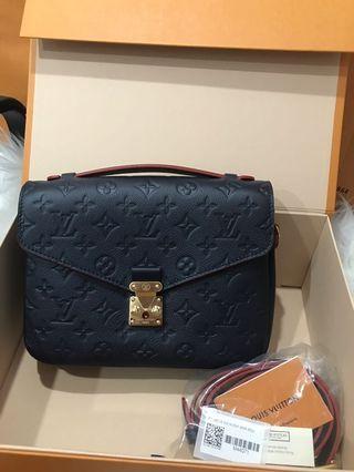 Louis Vuitton Pochette Metis in Empriente Leather