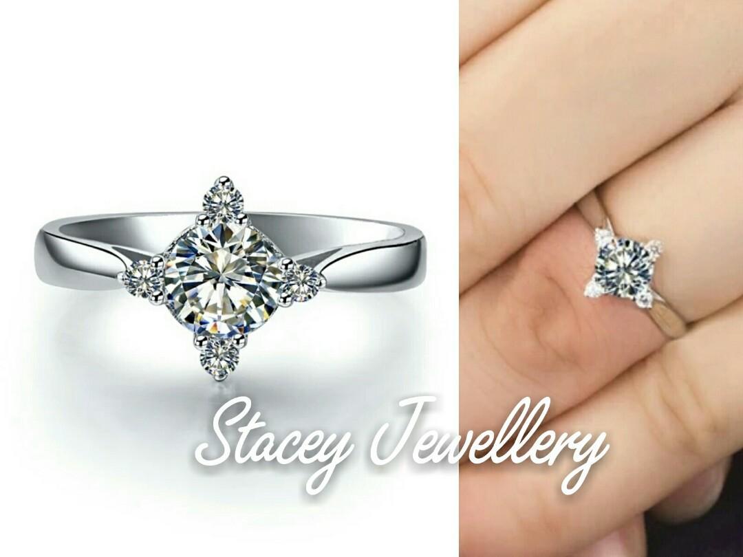 高碳鑽顯鑽女戒指