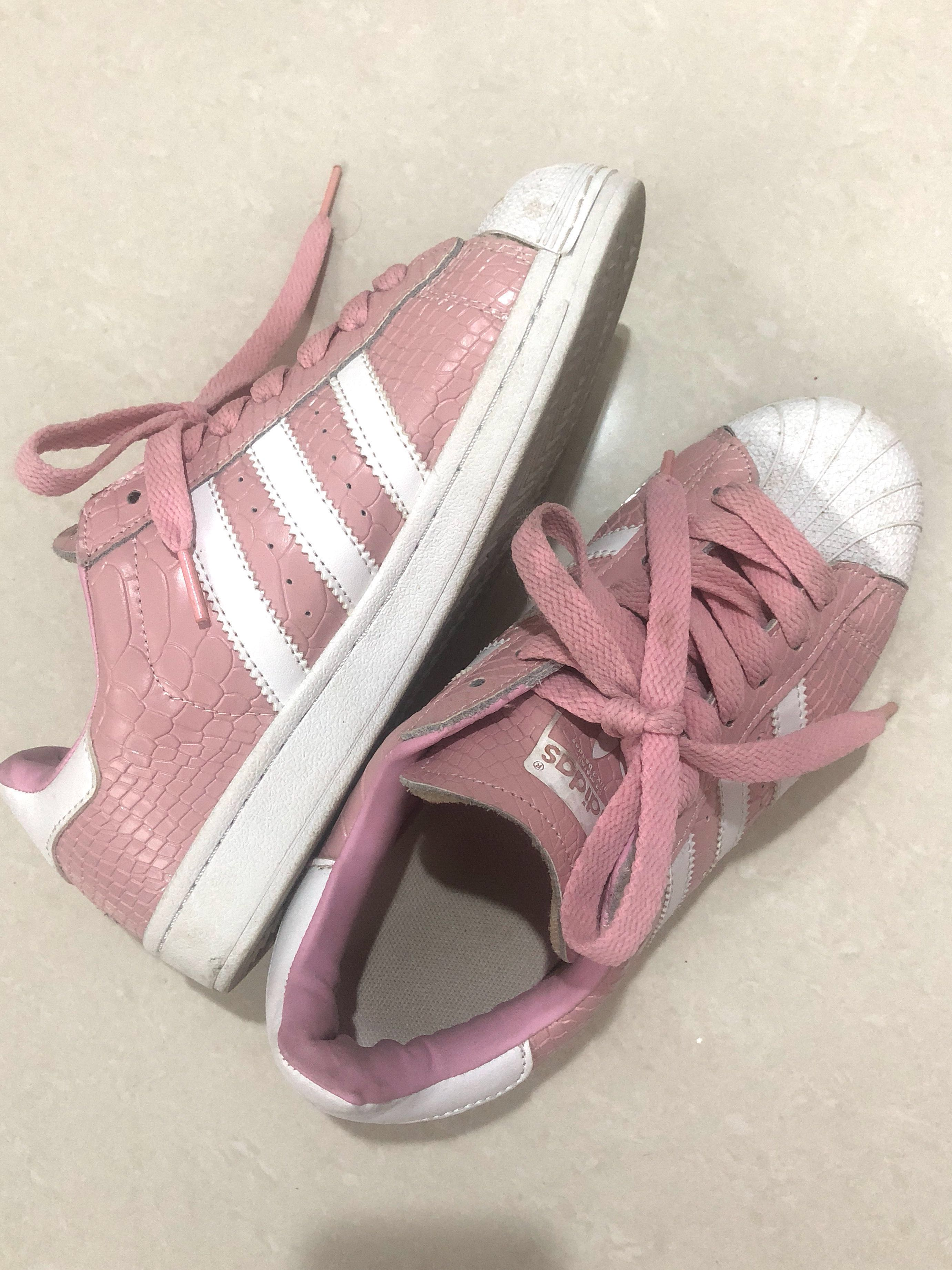 reputable site 078b0 d8acb Adidas Superstar Pink Snake Skin 1 1 Quality  SSV8, Women s Fashion, Shoes  on Carousell