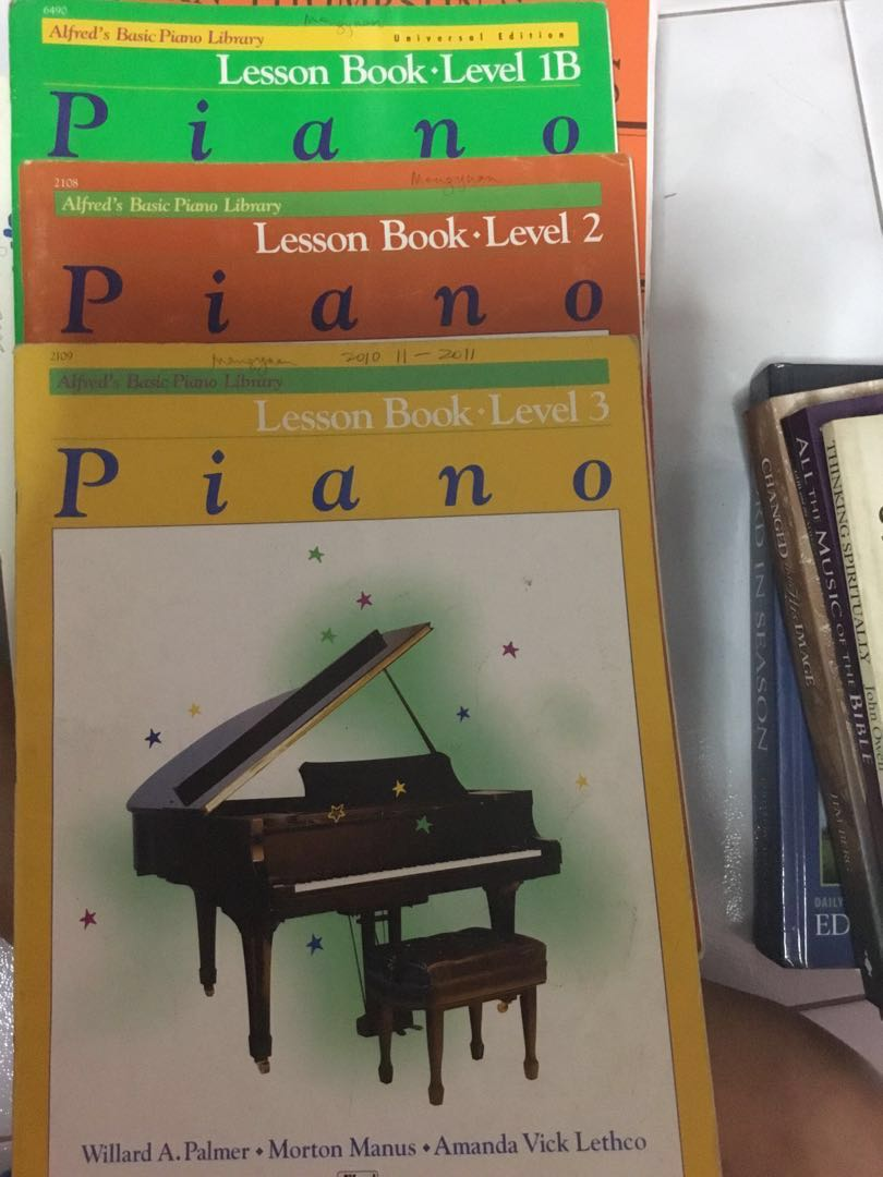 Alfred Basic Piano Library Lesson Book Level 3 easy piano