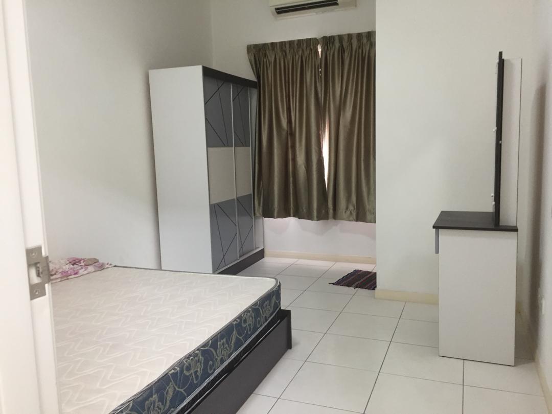 "COMPLETE Bedroom set (5"" wardrobe, mattress, tables)"