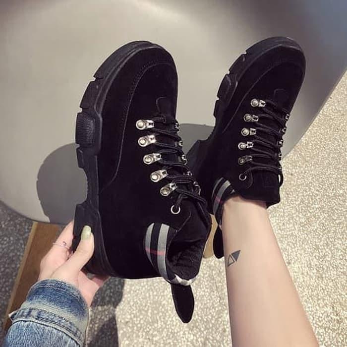 DROP0035 Black Sepatu Boots Fashion Korea