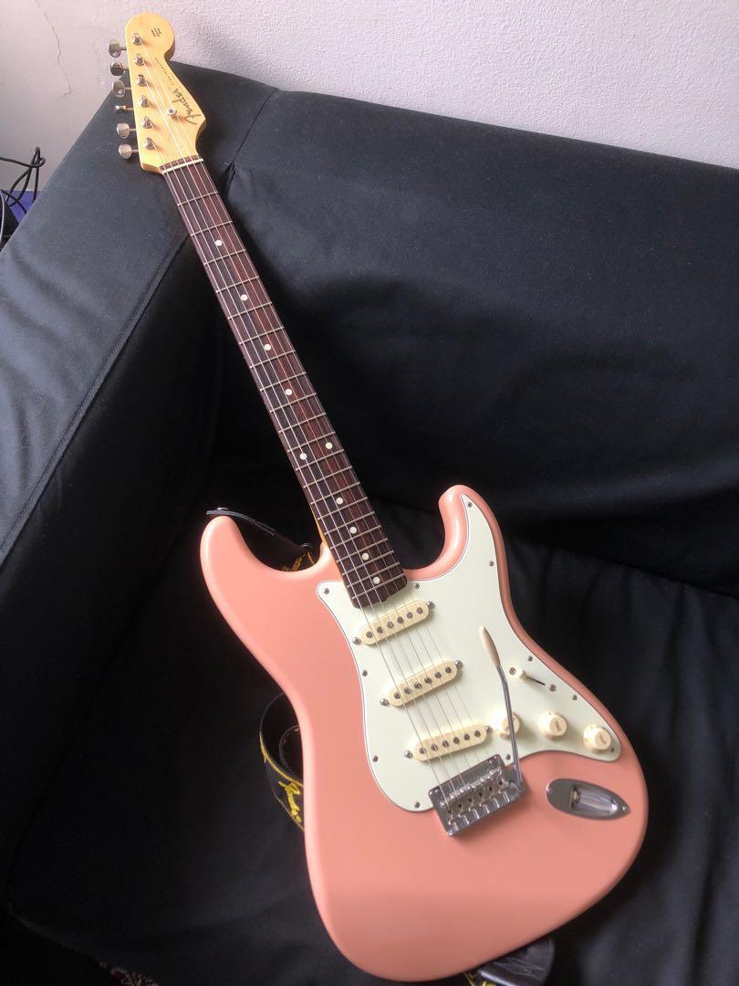 Fender Japan Hybrid 60s Stratocaster Shell Pink, Music