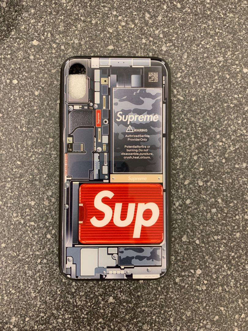 official photos a2015 22f89 IPhone XS Max Supreme case