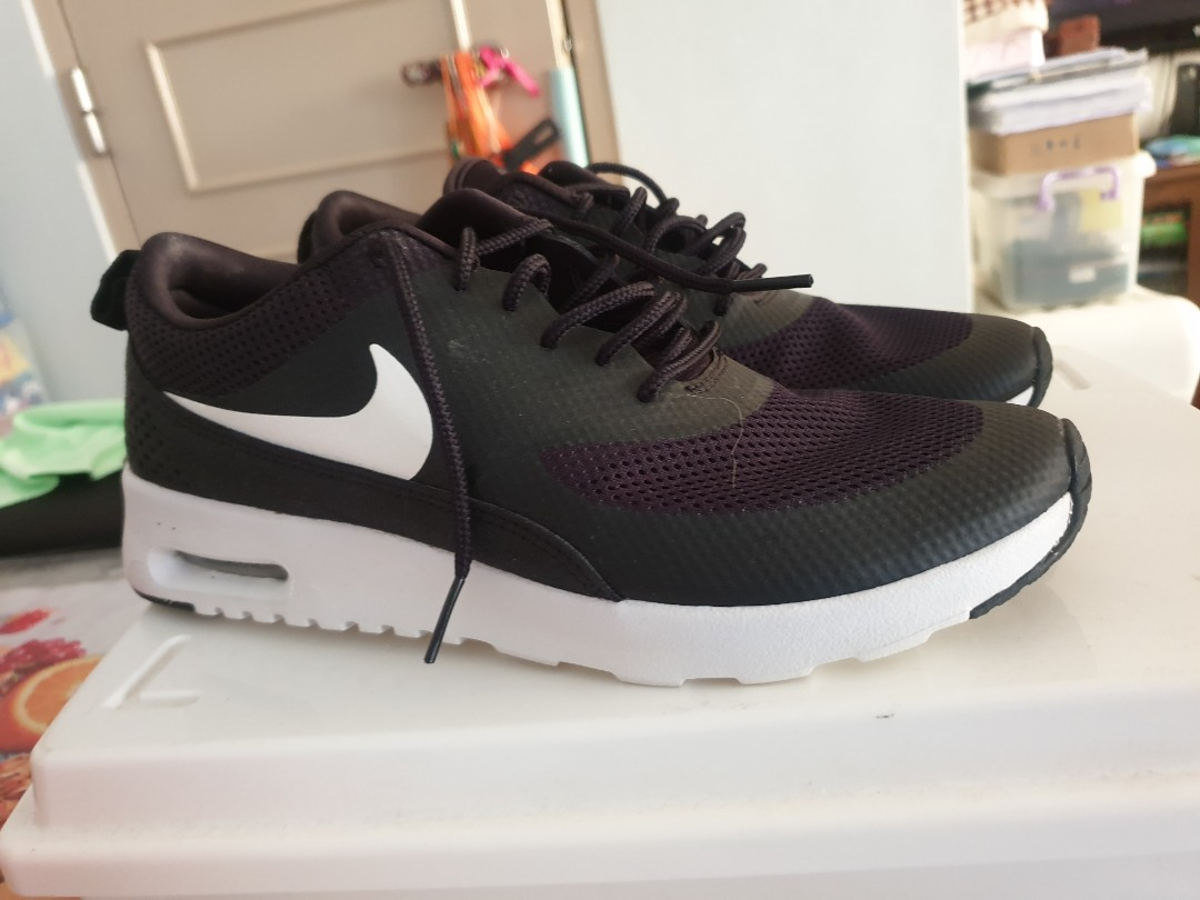 Womens Nike Air Max Thea Running Shoes. Size 7. Good Condition!!! 8.510