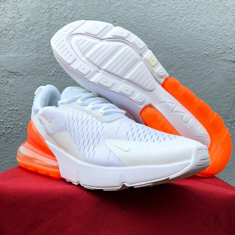 outlet store d5245 dcbdd Nike Airmax 270 / White Orange