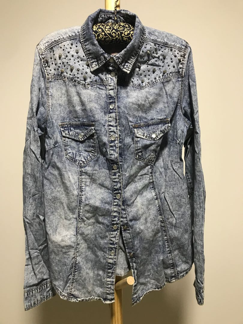 ec4e02148dcf16 Primark denim shirt with studs, Women's Fashion, Clothes, Tops on Carousell