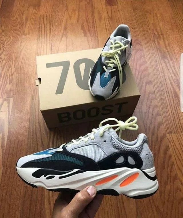 huge discount c964b 44f69 Yeezy 700, Men s Fashion, Footwear, Sneakers on Carousell