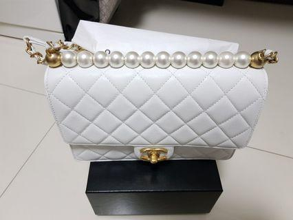 0bb1b7d9c9fa Chanel Flap Bag AS0585 SS19 in white