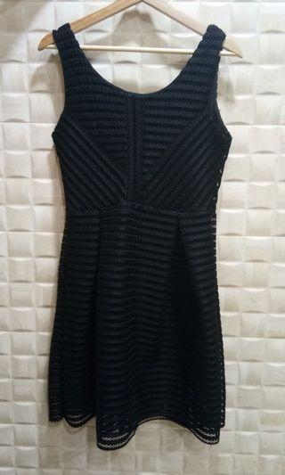 Black Sleeveless Striped-Net Dress