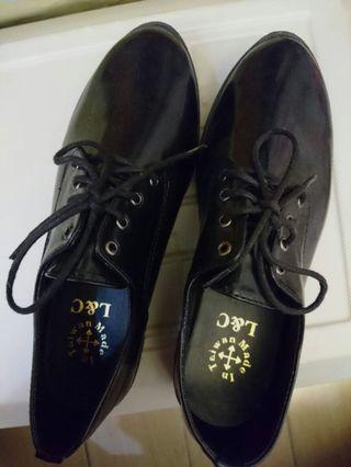 女生皮鞋25號