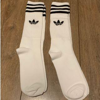 adidas Originals mens solid crew socks(Adidas Originals 男裝長白襪)