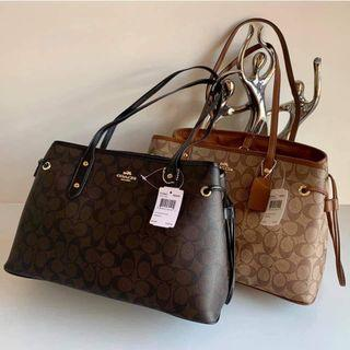 🚚 Authentic Coach Handbag