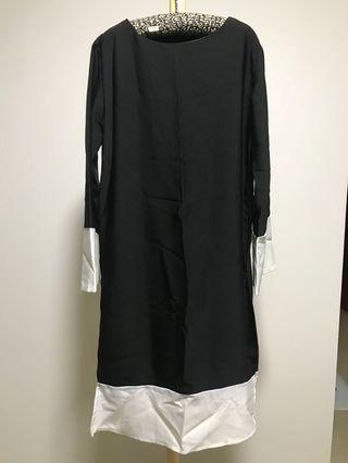🚚 Brand new Black tunic with side split