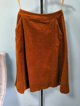 Uniqlo Women Brown midi skirt
