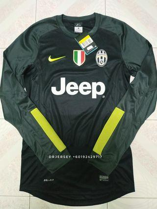 18c78e797 Juventus goalkeeper jersey 13 14 S long sleeve