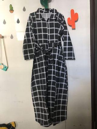 Grid Dress Kotak-Kotak Hitam