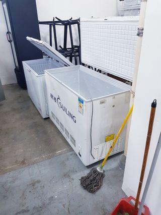 Chest freezer 4ft
