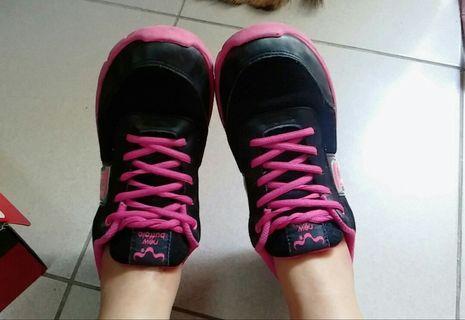 網紗透氣運動鞋