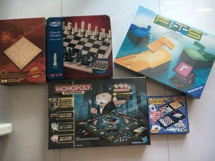 Chinese English chess monopoly assortment games