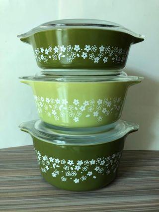 Vintage Pyrex casserole.