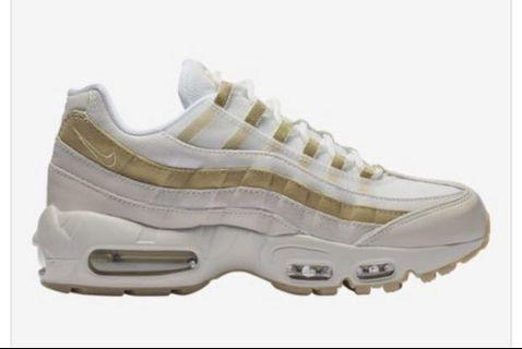 AIR MAX 97 WOMANS 7.5 GOLD AND WHITE