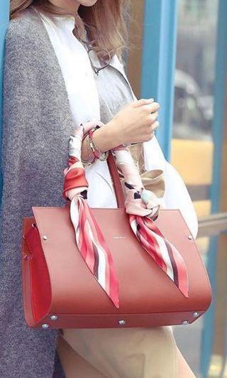 Longchamp小牛皮手袋