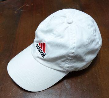 特價品😃 adidas 白色運動帽