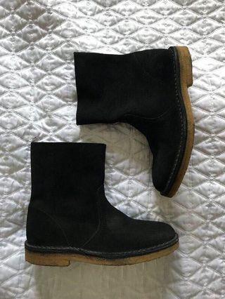 NEW APC Sz 5.5 Black Leather Chelsea Boots