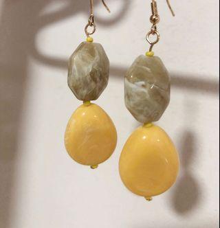 Lovisa 2 Beads Drop Earrings BN (Yellow)
