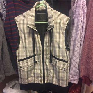+-x÷  (Homme)男裝型格黑白間條背心外套