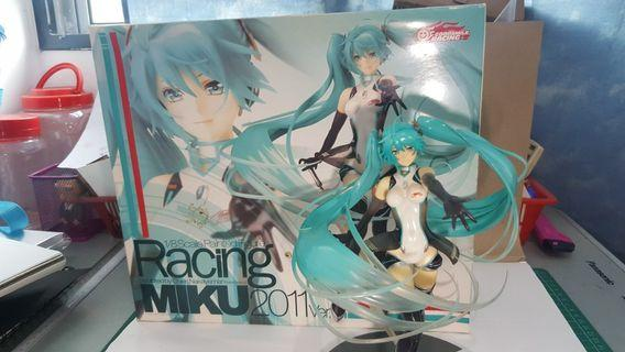 ORIGINAL Racing Miku 2011 ver. 1/8 scale