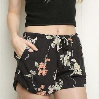 Brandy Melville Eve Shorts In Lily