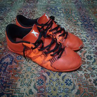 Sepatu Futsal Adidas X 15.4
