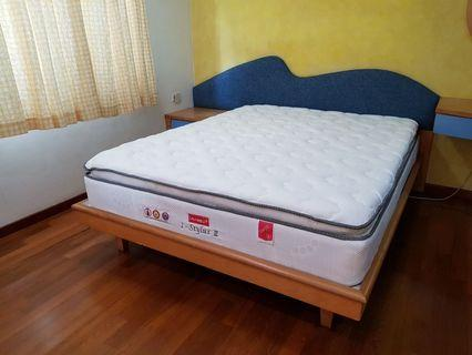 Promotion pillow top spring queen mattress