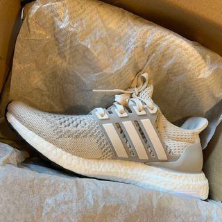 🚚 Adidas Ultraboost cream BNIB