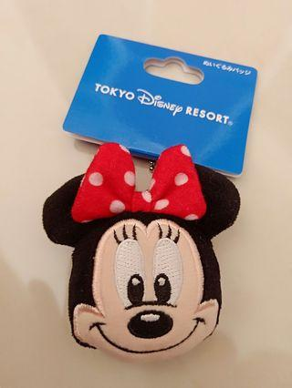 Minnie Mouse  (bag chain or pin badge)