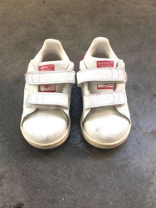 🚚 Kids Adidas Stan Smith US5K