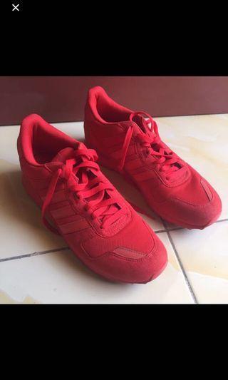 Sepatu Adidas ZX700