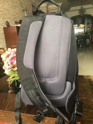 🚚 Samsonite camera bag