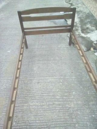 Dipan kayu