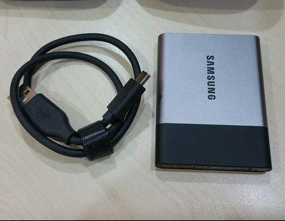 Samsung T3 Portable SSD Hard Drive Flash Disk 2TB , like new, USB type C USB 3.1 External perfect working, perfect cosmetic conditions
