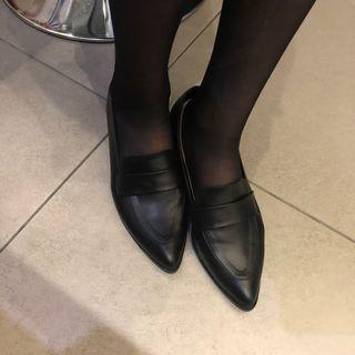 🚚 降價‼️尖頭低跟包鞋