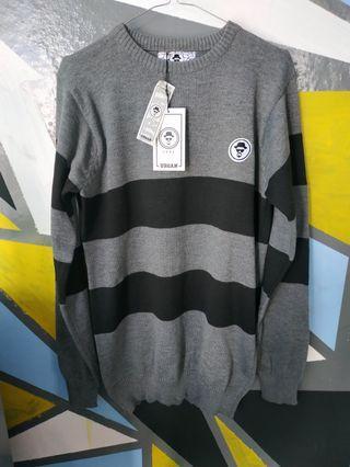 Sweater rajut grey hitam