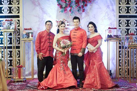 TAKE ALL (1 bride dress + 1 ceongsam groom + 2 gown mama)