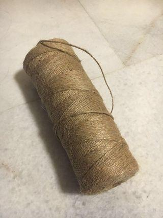 Twine string / brown string (about 200m)