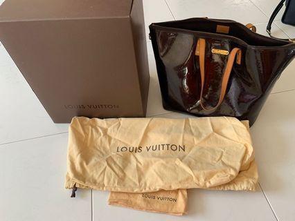 Bellevue Pm Violet Vernis Hand Purple Patent Leather Hobo Bag