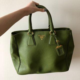 d174644560f1ba Authentic Prada Vitello Daino Leather Tote Bag BN2423