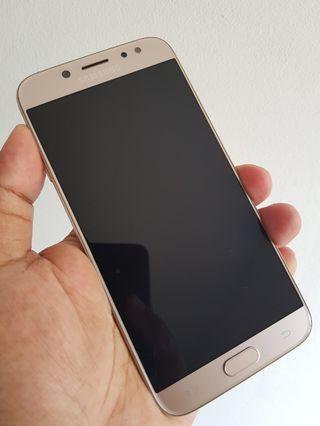 Samsung Galaxy J7 Pro 2017 LCD Rusak
